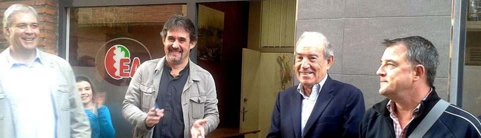 Carlos Garaikoetxea, Pello Urizar y Joseba Gezuraga en la inauguración del alkartetxe de Erandio.